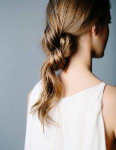 coiffures-pour-femmes-faciles-à-faire-soi-même-en-moins-de-cinq-minutes-65